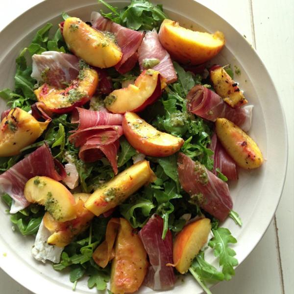 Grilled Peach Prosciutto Salad